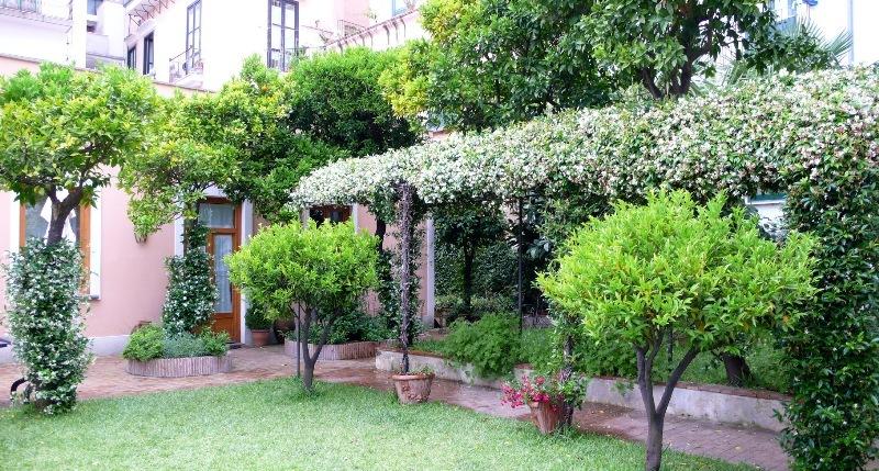 Giardino antico di casa altieri gazzetta di salerno - Giardini di casa ...